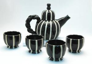 Teapot-black-and-white-stripe-s