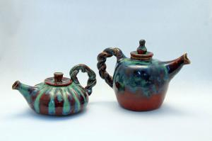 Teapots-Firebrick-and-Seaweed-2-s